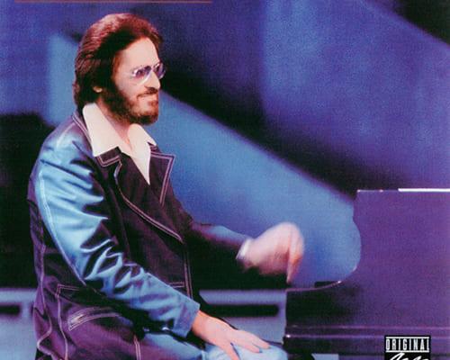 ビル・エヴァンス『フロム・ザ・70's』 演奏:ビル・エヴァンス(ピアノ、エレクトリック・ピアノ)、エディ・ゴメス(ベース) 録音:1974年10月11月7〜10日(データは『インチュイション』別テイク) エヴァンス死去の翌年(1983年)に発表された、70年代録音の別テイクを集めたアルバム(当時はLP)。2002年にはタイトル、ジャケットはそのままですが、初発表の別テイク5曲が追加収録(と従来収録の3曲を削除)されてCD化されました。古くからのファンの方ほど聴き逃しているかもしれませんね。