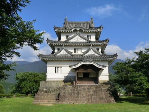 藤堂高虎が考案した「層塔型天守」の代表格である宇和島城