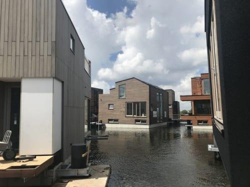 水上の豪邸たち