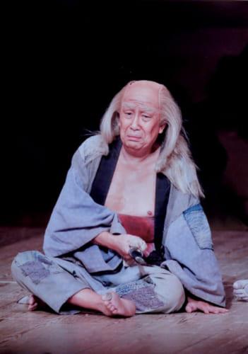 『伊賀越道中双六・沼津』で雲助平作を演じる歌六さん(平成25年、歌舞伎座)。しみじみとした滋味に愛嬌があり、人間のもつ切なさをしっかり描き上げた。写真/渡辺文雄