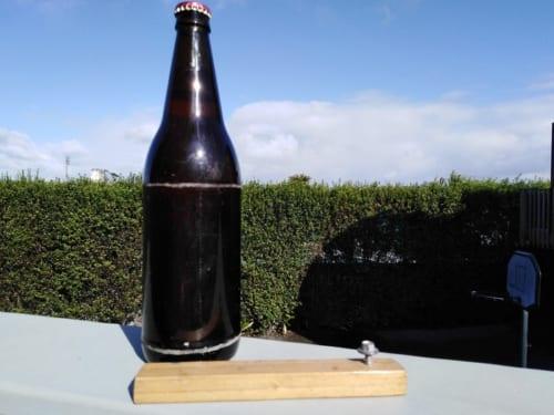 コリンからもらった自家製ビールと手作り栓抜き