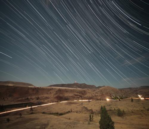 コンデジでも星の軌跡を表現した撮影ができる(本書69pより)