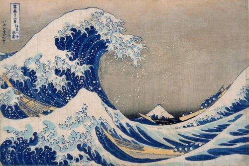 こちらは「茂木本家美術館の北斎名品展」で10月8日~11月4日の期間に展示される『冨嶽三十六景 神奈川沖浪裏』茂木本家美術館蔵。上で紹介した、すみだ北斎美術館蔵の同図に比べて、波の青色が明るく、空は灰色に近い。さまざまな摺りの違いを楽しめるのも北斎作品の魅力だ。