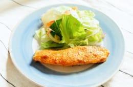 【管理栄養士が教える減塩レシピ】|旬の秋鮭を使った減塩レシピ 「秋鮭の味噌マヨ七味焼き」「秋鮭と豆腐のふわふわつくね」