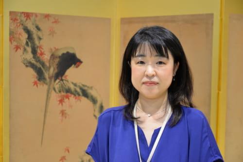 すみだ北斎美術館・主任学芸員の奥田敦子さん。同美術館では11月4日(祝)まで、『北斎没後170年記念 茂木本家美術館の北斎名品展』を開催中。