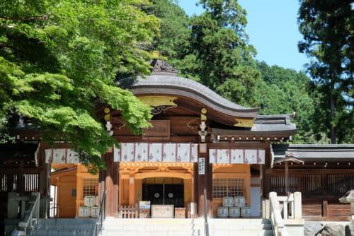 高麗神社は巾着田から約2km