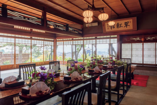 『山荘 京大和』の翠紅館広間のイメージ。翠紅館は江戸末期、桂小五郎ら各藩の志士が集まり会議が催された建物。懐石料理が供される。