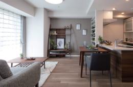 設計・施工はすべて積水ハウスが担当。バリアフリーをはじめ、高齢者の暮らしやすさに配慮した設えが特徴。写真は50平方メートルの部屋。