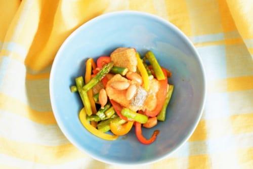 鮭と落花生のコチュジャン炒め