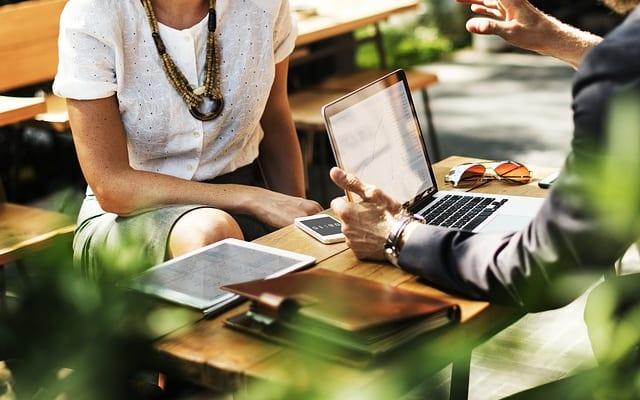 【ビジネスの極意】コミュニケーションが苦手な人に必要な「聞く」技術とは?