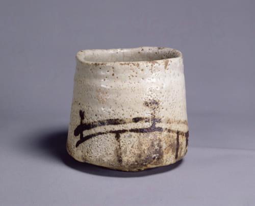 「志野茶碗 銘 橋姫」 桃山時代 16~17世紀 東京国立博物館 Image: TNM Image Archives