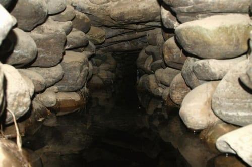 送水路内部の様子。2000年前のものとは思えない高度な構造だ
