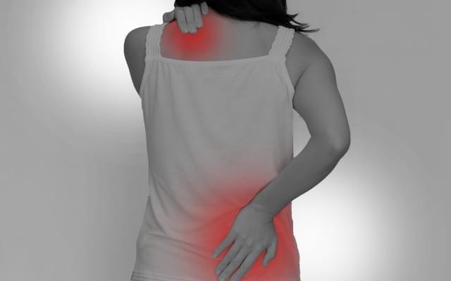 肩こり、腰痛にテープ剤と飲み薬。どちらが効果的なのか?|薬を使わない薬剤師 宇多川久美子のお薬講座【第7回】