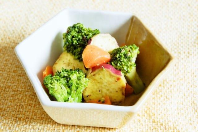 彩り野菜のホットサラダ