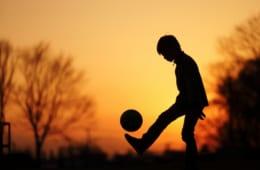 スポーツをしているお子様を応援する母親1,106人徹底調査
