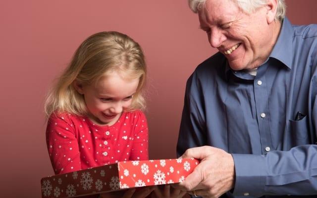 シニアに聞いた「祖父母と孫の関係」|孫へ想いや言葉を伝えたいシニアは約8割