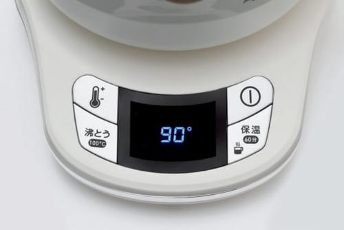 温度や保温の設定を行なう操作パネル。100度設定の湯は95度で保温される。湯の温度はモニターに分かりやすく表示。
