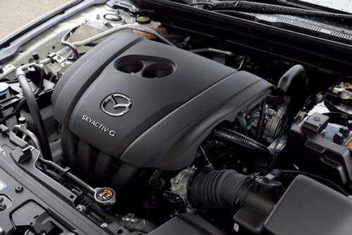 エンジンは1.8Lディーゼルと2Lガソリンの2種類。ディーゼルのように圧縮着火させる新開発のガソリンエンジンも近日発売。