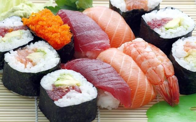 好きなすしネタランキング|江戸前寿司ではまぐろの「赤身」「中とろ」が同率1位。女性1位は「サーモン」