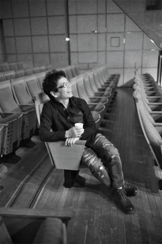コンサートホールの客席から、ビリー・バンバンのリハーサルを見学する。どんな瞬間でも、南こうせつさんは楽しそうで、顔からは終始笑みがこぼれていた。