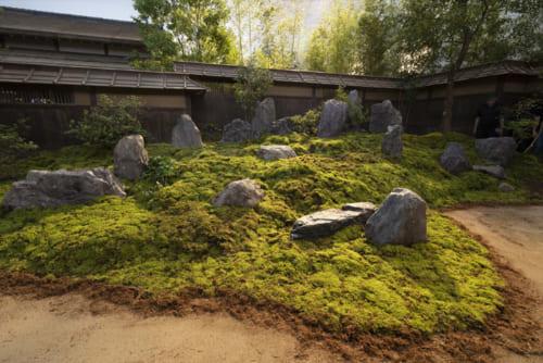 明智光秀の館の庭園の出来ばえも注目ポイント。