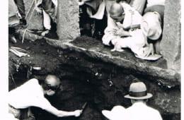 天正8年に武田軍と小田原北条軍が激突した沼津千本浜からも大量の頭骨が出土した。