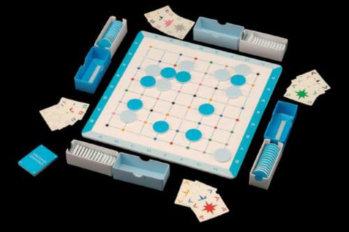 """『CACOMO』(カコモ)発表会には、多くの囲碁関係者が詰めかけた。チーム制で、カード(座標が書かれている)を使い、カードが示している場所にしか打つことができない。ある意味、""""不自由さ""""が特徴だ。"""