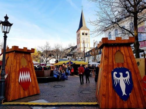 ジークブルクで開かれる中世のクリスマス市。