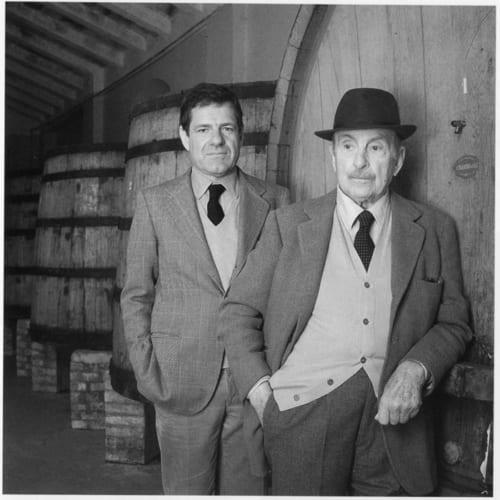 プリシラさんの祖父でカベルネ・ソーヴィニヨンを植えたマリオ氏と、サッシカイアの名を世界に広めた父・二コラ氏。
