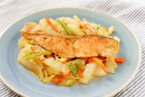 白菜入り鮭のちゃんちゃん焼き