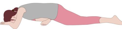 そこから上半身を前に倒して、曲げた足のお尻の筋肉が適度に伸びたところで止め、楽に深呼吸しながら力を抜き、30秒~1分ほど伸ばします