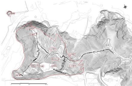 金ヶ崎城の縄張。尾根沿いに廓を設け、その間を堀(「城戸」)で断ち切っている。