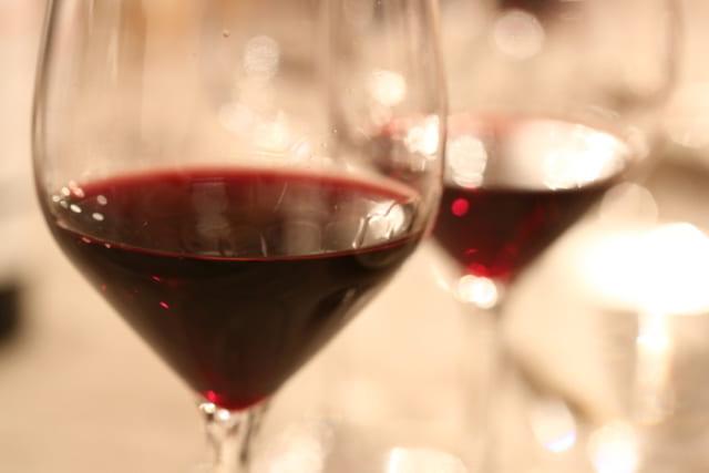 「ワインの王様」と呼ばれるピノ・ノワールは、飲み手にとっても造り手にとっても思い入れを抱きがちなぶどう品種。