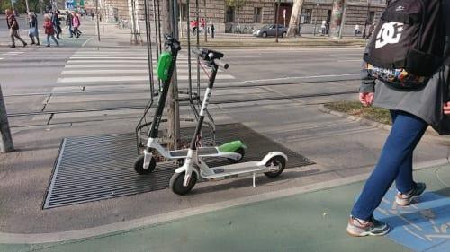 電動スクーターのサービス
