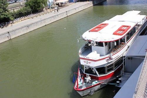 高速船ツイン・シティ・ライナー(Twin City Liner)
