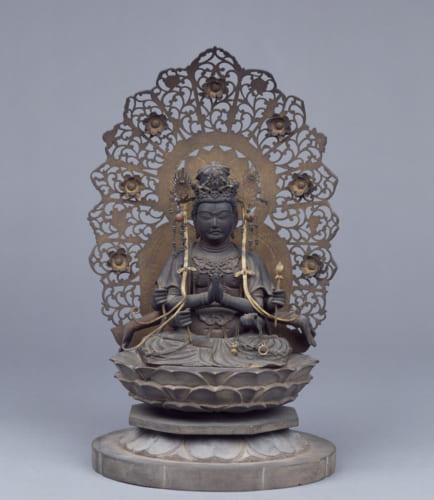 不空羂索観音坐像 鎌倉時代(13世紀)京都国立博物館蔵