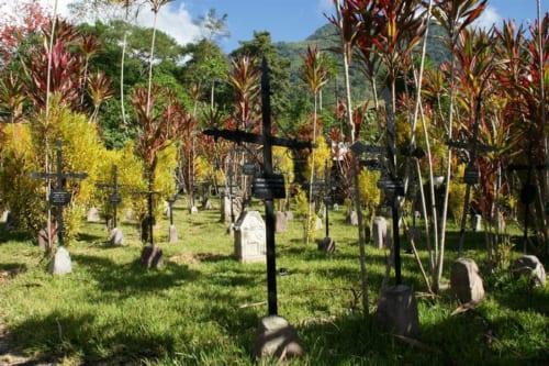 命がけでポスソの地を開拓した移民第一弾の英雄たちが眠る「開拓者墓地」