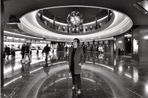『地獄の黙示録ファイナル・カット』をIMAX(アイマックス)上映するグランドシネマサンシャイン(※日本最大のIMAX上映スクリーンがある映画館。)にて。「最後の手作りのスペクタクル映画。実写ならではの迫力と緊張感を味わってほしいですね」
