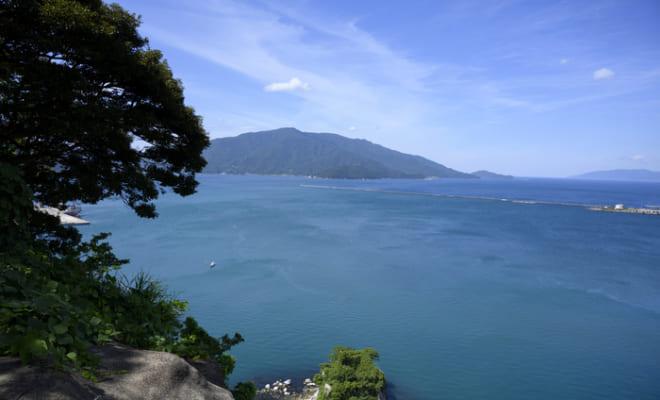 金ケ崎城跡から望む敦賀湾
