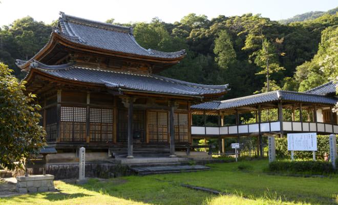 まさに古刹の雰囲気の西福寺。喧騒とは無縁である。