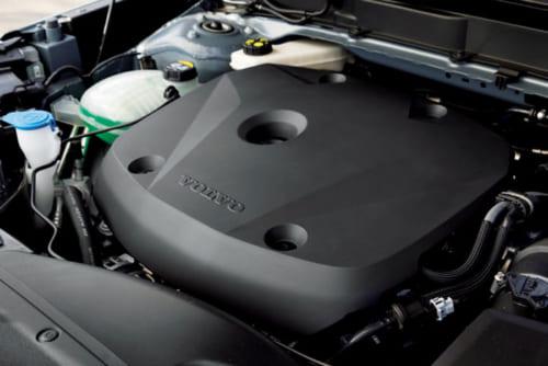最高出力190PSのガソリンターボエンジン。車両重量が重いためかスペックほどパワフルさは感じないが、必要充分。