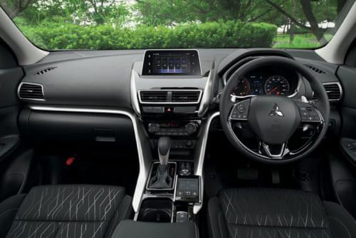 室内は落ち着いた雰囲気。試乗した車は、スマートフォン連携ディスプレイオーディオを標準装備していた。