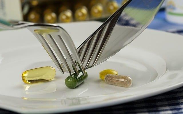 ちょっと待って! 「薬をやめてサプリメントに」の勘違い|薬を使わない薬剤師 宇多川久美子のお薬講座【第24回】