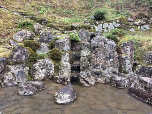 発掘された義景館の庭園(特別名勝指定)。足利義昭の御成にあわせて作庭されたと推定されている。