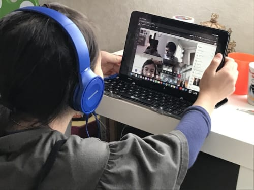 web学習には、子供一人ひとりにパソコン、タブレット等が必要になる。