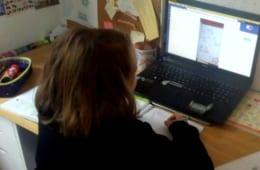 毎日オンライン授業のある4年生。筆者友人提供