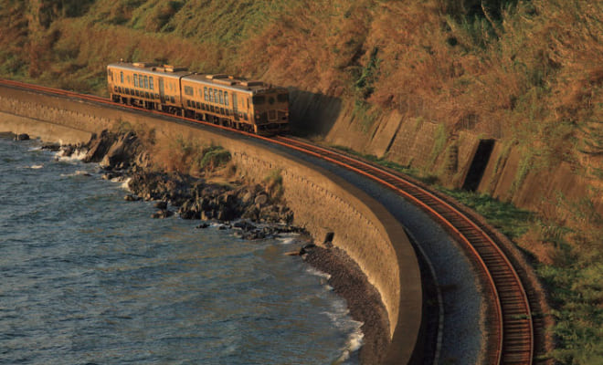 「佐賀~長崎~佐世保」コースでは、有明海や大村湾の絶景を眺めながらの列車旅が楽しめる。写真/松尾 諭