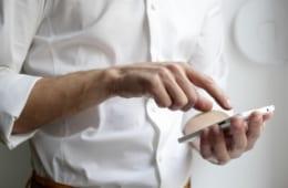 【ビジネスの極意】新卒社員に求められる、スマホを見る前にすべきこと