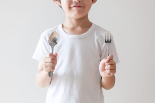 全国各地のこども宅食利用世帯に調査|生活困窮家庭の約8割が支出増、より生活が苦しくなったと回答。